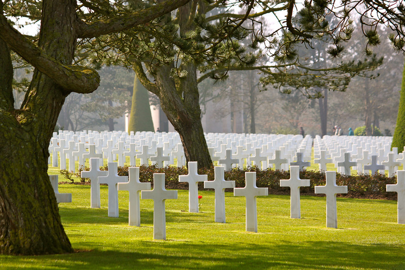 Photofreak. American Cemetery, Normandy. France. All graves face west toward the United States.