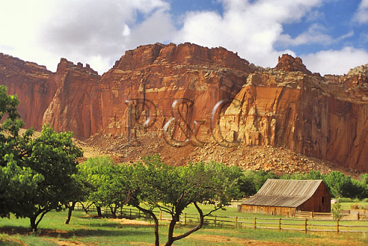 UT CAPITAL REEF NP HISTORIC FRUITA SETTLEMENT 3W