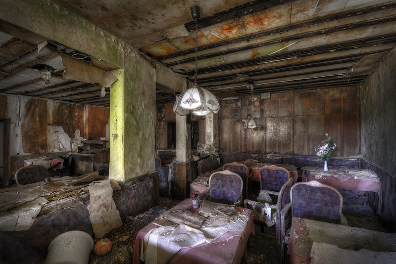 The Diner - Decayed dining room