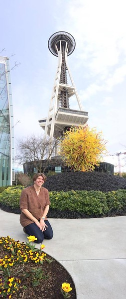 Jeanne under Space Needle