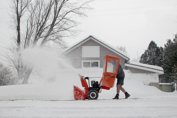 SHORTS SNOWBLOWER