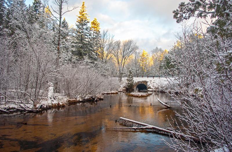 Winter morning on Grand Marais Creek