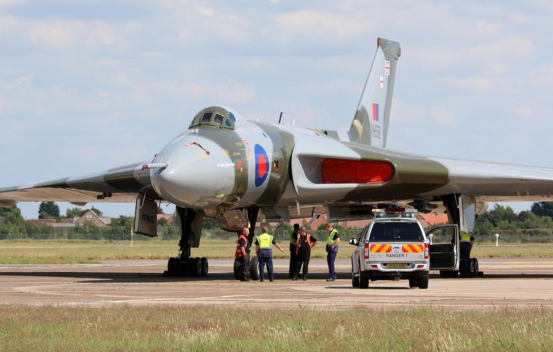 Now on Stand 16 XH558 will get a service and fuel top up in the morning.<br /> By Correne Calow.
