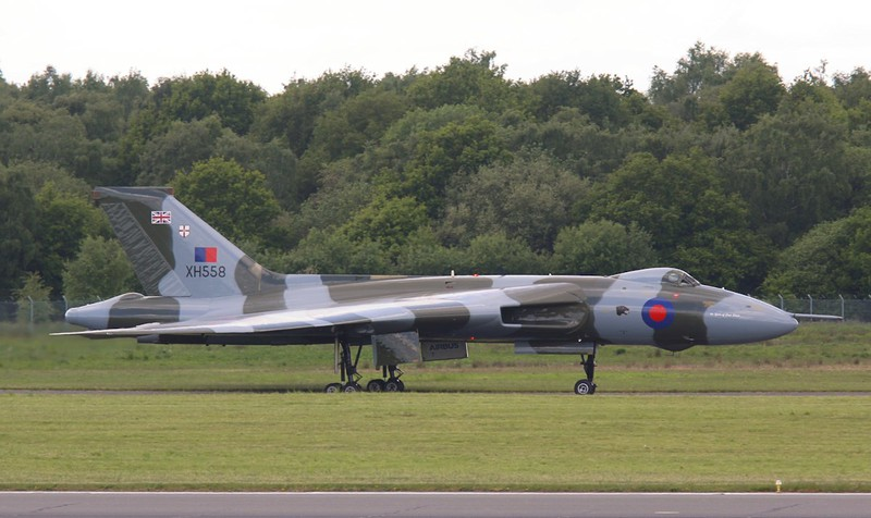 XH558 heads back to Stand 16.<br /> By Correne Calow.