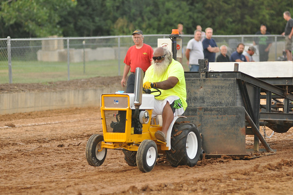 2014 WARREN COUNTY FAIR LAWN MOWER PULL 8-8-14