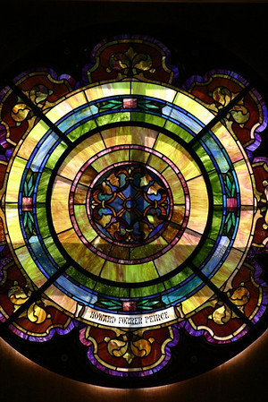 Detail of the Howard Forrer Peirce stained glass window. Photo courtesy of Maury Wyckoff. Used with permission.