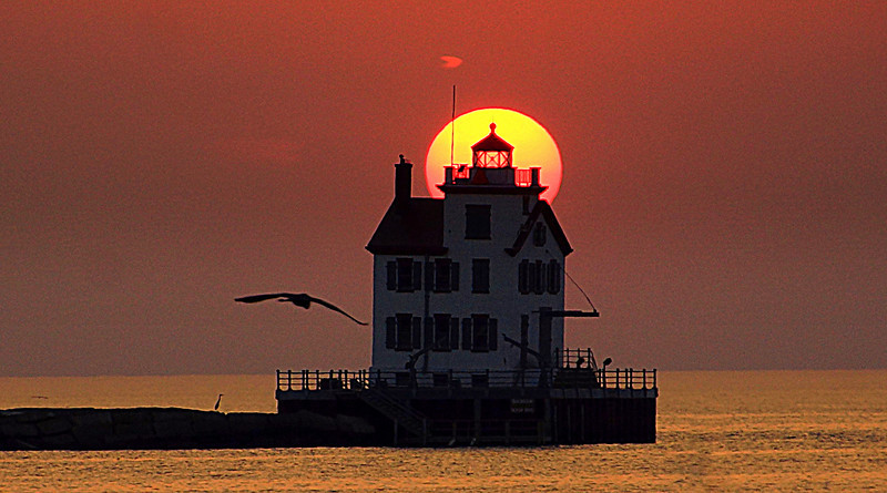 Sunsets, Lighthouses & Lake Erie