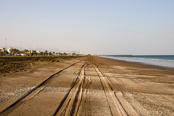 An Evening on Kalba Beach (30 Photographs)