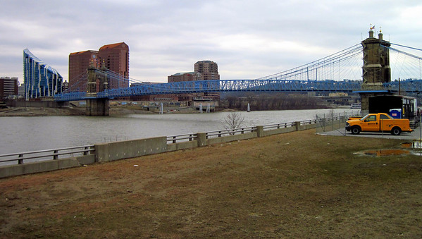 Cinncinnati-Ohio River 2011-02-13