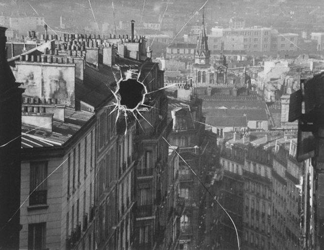 Photographer - André Kertész (1894 - 1985)