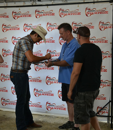 Jon Pardi Meet & Greet