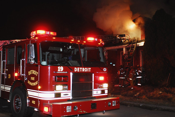 Detroit, MI Box Alarm 8701 Peter Hunt April 3, 2008