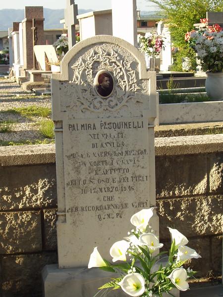 Palmira Pasquinelli grave