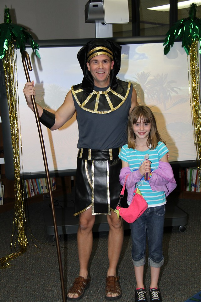 Book Fair-oh, December 3, 2013