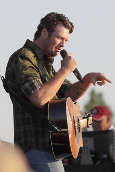 2010 BlakeShelton - Toyota Pro Bass Tournament