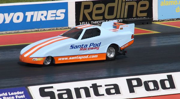 2010 Santa Pod Summernationals by Dick Parnham