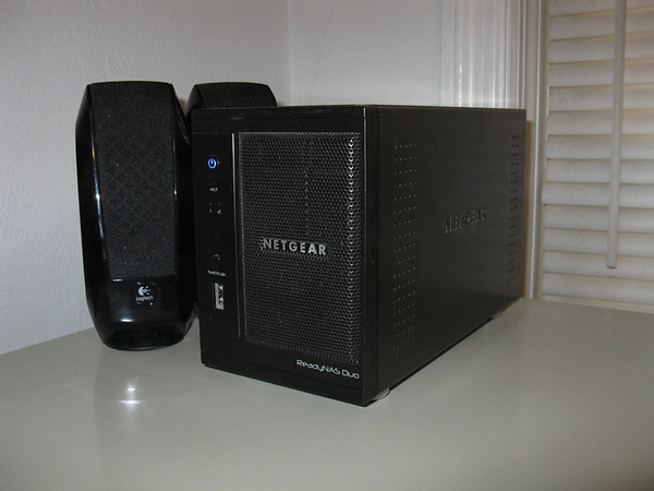 NAS (Network-Attached Storage)