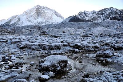 Everest in Winter 2004: an essay