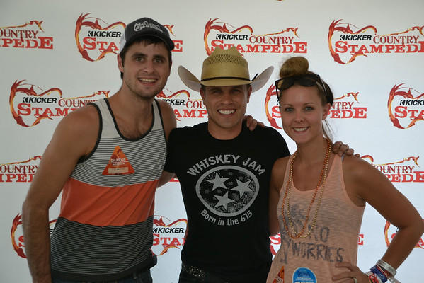 Dustin Lynch Meet & Greet