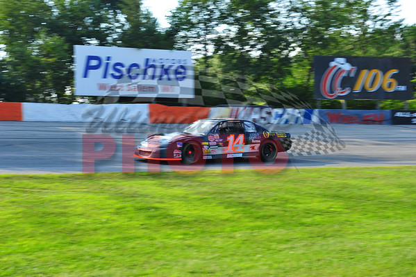 LaCrosse Speedway-Prerace, practice, August 6th, 2011
