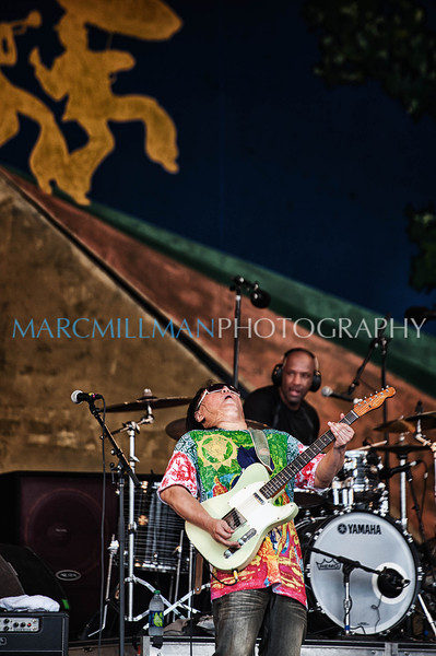 Papa Grows Funk @ Gentilly Stage (Sun 5/8/11)