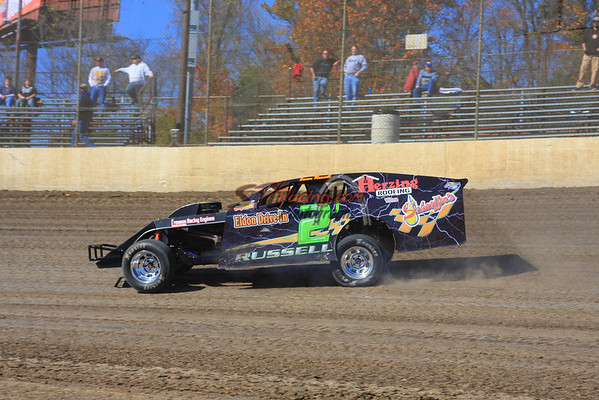 U.M.P. DIRTcar Modifieds Hotlaps