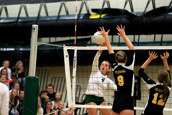 Girls volleyball: TCC vs TCW, Sept. 19, 2012