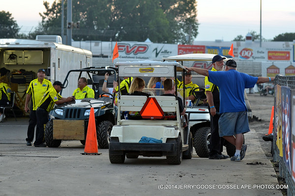 KNOXVILLE-NATIONAL-MAINS-CRASHES-SAT-08-09-14