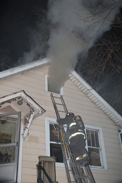 Working Fire 1850 W. Cullerton April 15, 2014