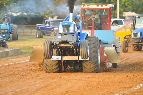 2014 WARREN COUNTY FAIR  TRUCK & TRACTOR PULL 8-4-14