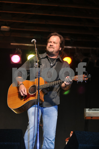 "2014 Warren County Fair ""Restless Heart"" concert  8-8-14"