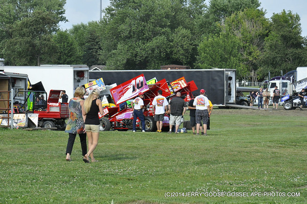 FRONT-ROW-PITS-08-04-14