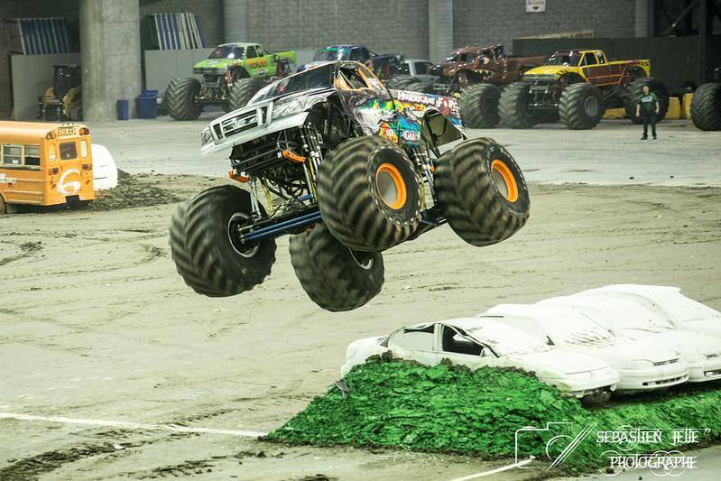 Monster Truck Stade Olympique 08-04-17