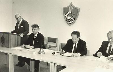 Frá aðalfundi Ólympíunefndar Íslands 1986.  Gísli Halldórsson í ræðustól siðan Sveinn Björnsson, Bragi Kristjánsson og Gunnlaugur J. Briem.