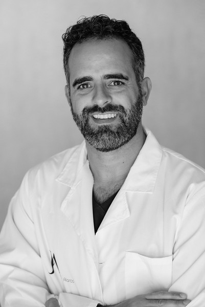 Javier Alarcó, cirujano