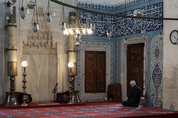 Üsküdar, Atik Valide Camii