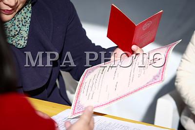 2017  оны аравдугаар сарын 16.  Иргэдэд үнэ төлбөргүй хууль, эрх зүйн зөвлөгөө өгөх, нотариатын үйлчилгээ зэрэг хууль зүйн туслалцаа үзүүлэх өдөрлөг . ГЭРЭЛ ЗУРГИЙГ Г.ӨНӨБОЛД/MPA