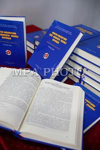 """2017 оны аравдугаар сарын 19.  """"Их октябрь- Монгол, Оросын соёл, шинжлэх ухааны харилцаа"""" сэдэвт архивын баримтын үзэсгэлэн болон """"Монгол зөвлөлтийн соёл шинжлэх ухааны харилцаа"""" баримт бичгийн эмхтгэлийн нээлт болов.   ГЭРЭЛ ЗУРГИЙГ Б.БЯМБА-ОЧИР/MPA"""
