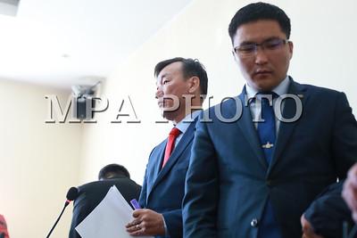 2017  оны аравдугаар сарын 16.  Баянзүрх дүүргийн давж заалдах шатны шүүх дээр МАХН-ын дэд дарга С.Ганбаатартай холбоотой хэргийн шүүх хурал боллоо. Түүнийг Монгол Улсын Ерөнхийлөгчийн сонгуулийн сурталчилгааныхаа үеэр Солонгосын иргэнээс 50 сая вонын хандив авсан хэмээн буруутгаад байгаа билээ. ГЭРЭЛ ЗУРГИЙГ Б.БЯМБА-ОЧИР/MPA