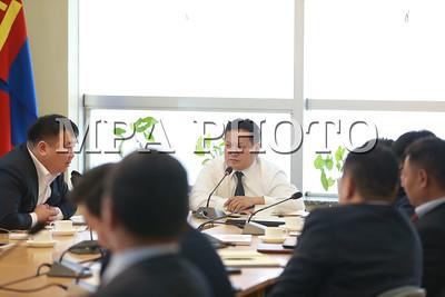 2017 оны арваннэгдүгээр сарын 06.  Нийслэлийн харъяа агентлагын шуурхай хурал.  ГЭРЭЛ ЗУРГИЙГ Б.БЯМБА-ОЧИР/MPA