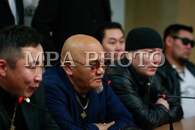 2017 оны арванхоёрдугаар сарын 19. Хөх Монгол бүлгэмээс МУ-ын Ерөнхийлөгч, Ерөнхий сайд, УИХ-ын дарга, ХЗДХ-ийн сайд нарт өргөж буй бичгээ танилцуулахаас гадна Хөх Монгол, Хамаг Монгол, Даяар Монгол бүлгэмийн цаашдын үйл ажиллагааны талаар мэдээлэл хийлээ .ГЭРЭЛ ЗУРГИЙГ Г.ӨНӨБОЛД /МРА