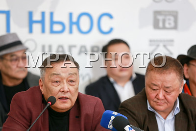 2018 оны гуравдугаар сарын 19. Мэргэжлийн урлагийн байгууллагынхан нэгэн дээвэр дор нэгдэж Монгол Улсын ардын жүжигчин, театрын нэрт найруулагч, Урлагийн гавъяат зүтгэлтэн Б.Мөнхдоржид туслах хандивын аяныг эхлүүлж байгаа талаараа өнөөдөр мэдээлэл хийлээ.  ГЭРЭЛ ЗУРГИЙГ Б.БЯМБА-ОЧИР/MPA