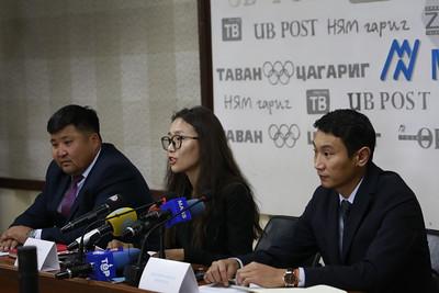 """2019 оны наймдугаар сарын 27. """"Монголын бичил уурхайн нэгдсэн Дээвэр холбоо""""-ноос Засгийн газрын уул уурхайн асуудлаар гаргаж буй бодлого шийдвэрүүдтэй холбогдуулан мэдээлэл хийлээ. ГЭРЭЛ ЗУРГИЙГ Г.ӨНӨБОЛД/MPA"""