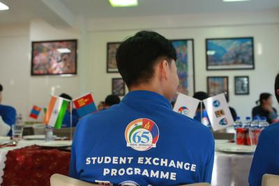 2020 оны нэгдүгээр сарын 08.Энэтхэгийн Паграва хотын Кэмбриж олон улсын сургуультай анх удаа сурагч солилцох хөтөлбөр хэрэгжүүлхээр боллоо. ГЭРЭЛ ЗУРГИЙГ Д.ЗАНДАНБАТ/MPA