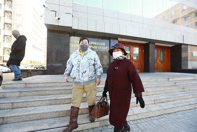 """2020 оны гуравдугаар сарын 26.  """"Манан дэглэмийн эсрэг Монгол түмний нэгдэл""""-ээс Улсын ерөнхий прокурор Б.Жаргалсайханд шаардлага хүргүүллээ. ГЭРЭЛ ЗУРГИЙГ Б.БЯМБА-ОЧИР/MPA"""