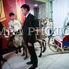 """Монгол улс, Улаанбаатар хот. 2013оны 12 дугаар сарын 31. Хуучин оноо үдэж шинэ оноо угтах он солигдох мөчид нийслэлчүүд ца бугатай гэрэл зургаа авхуулж байна.<br /> <br /> """"Улаанбаатарын мөнгөн шөнө"""" шинэ жилийн баярын цэнгүүнд МУГЖ Т.Ариунаа, дуучин A Cool, реппер Gee, Дөлгөөн, Рокит Бэй, """"Гурван охин"""", """"Люмино"""", """"А Sound"""", """"Compass"""", """"Rec On"""", """"Colors"""", """"UFO"""", """"The Lemons"""" зэрэг 50 гаруй уран бүтээлч, хамтлаг оролцож, шинэ жилийн баярыг нийслэлийн иргэдтэйгээ хамт өнгөрөөсөн юм.<br /> <br /> Он солигдох мөчид """"Улаанбаатарын мөнгөн шөнө"""" цэнгүүнд хүрэлцэн ирсэн зочид төв талбайг дүүргэн байлаа.ГЭРЭЛ ЗУРГИЙГ БЯМБАСҮРЭНГИЙН БЯМБА-ОЧИР"""