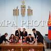 """Монгол улс, Улаанбаатар хот. 2013 оны 10 дугаар сарын 25. Монгол Улсын Ерөнхийлөгч Ц.Элбэгдоржийн урилгаар Канадын Амбан захирагч эрхэмсэг ноён Дэвид Жонстон, гэргий эрхэмсэг хатагтай Шэрон Жонстон нар өнөөдөр манай улсад хийх төрийн айлчлалаа эхлүүллээ. <br /> Хүндэт зочид өчигдөр орой манай улсад газардсан юм. Харин өнөөдөр Монгол Улсын Ерөнхийлөгч Ц.Элбэгдорж,  гэргий Х.Болормаа нар Чингисийн талбайд албан ёсоор угтан авлаа. Үүний дараа ноён Дэвид Жонстон Хүндэт зочны дэвтэрт гарын үсэг зурсан бөгөөд одоо Монгол Улсын Ерөнхийлөгч Ц.Элбэгдоржтой Төрийн ордны ёслол, хүндэтгэлийн гэр өргөөнд ганцаарчилсан уулзалт хийж, дараа нь албан ёсны хэлэлцээ хийн, Монгол, Канадын харилцаа, хамтын ажиллагааны баримт бичигт гарын үсэг зурах ёслолд оролцох юм. Харин энэ үеэр Монгол Улсын Ерөнхийлөгчийн гэргий Х.Болормаа, Канадын Амбан захирагчийн гэргий Шэрон Жонстон нар уулзалт хийнэ. <br /> Төрийн айлчлалын хүрээнд өнөөдөр Монгол Улсын Их Хурлын дарга З.Энхболд Канадын Амбан захирагч Дэвид Жонстонд бараалхана. Мөн өнөөдөр ноён Дэвид Жонстон үг хэлэхтэй холбогдуулан УИХ-ын чуулганы нэгдсэн хүндэтгэлийн хуралдаан хуралдах юм. <br /> Түүнчлэн ноён Дэвид Жонстон """"Туушин"""" зочид буудлын """"Соёмбо"""" танхимд болох  боловсролын асуудлаарх дугуй ширээний ярилцлагад оролцоно. <br /> Төрийн айлчлал маргааш Монгол Улсын Ерөнхийлөгч Ц.Элбэгдорж, гэргий Х.Болормаа,  Канадын Амбан захирагч Дэвид Жонстон, гэргий Шэрон Жонстон нар үдэлтийн уулзалт хийснээр өндөрлөнө."""