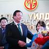 """Монгол Улс, Улаанбаатар хот. 2014 оны 1 дүгээр сарын 27. МҮЭХ-ноос """"Хөдөлмөрийн хүний төлөө"""" дээд шагнал гардуулах ёслол боллоо. Энэхүү шагнал нь иргэд хөдөлмөрчдийн сайн сайхны төлөө хүч хөдөлмөрөө дайчлан эрхэлсэн ажилдаа амжилт гаргаж, олон түмний талархлыг хүлээсэн хүмүүст олгодог шагнал аж.MPA PHOTO/ Б.БЯМБА-ОЧИР"""