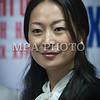 Монгол улс, Улаанбаатар хот. 2013 оны 10 дугаар сарын 27.  Монгол Ардын намын 27-р Их хурал дээр МАН-ын гишүүн П.Анужин зургаа авхуулж байна. ГЭРЭЛ ЗУРГИЙГ БЯМБАСҮРЭНГИЙН БЯМБА-ОЧИР