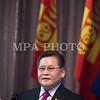 Монгол улс, Улаанбаатар хот. 2013 оны 10 дугаар сарын 27. Монгол Ардын намын 27-р Их хурал дээр МАН-ын дарга Ө.Энхтүвшин улс төрийн илтгэл тавьж байна. Монгол Ардын намын 27-р Их хурал соёлын төв өргөөнд эхэллээ. Их хурлыг удирдан явуулж буй тус намын гишүүн, хурал зохион байгуулах комиссын дарга Д.Дэмбэрэл хурлын эхэнд энэ удаагийн Их хурлаар хэлэлцэх ерөнхий асуудлууд, хурлын хөтөлбөрийг танилцуулав. Танилцуулснаар, Их хурлаар есөн үндсэн асуудал хэлэлцэх бөгөөд үүнд, МАН-ын дарга Ө.Энхтүвшингийн улстөрийн илтгэл, Мандатын комиссын илтгэл, намын 26-р Их хурлаас хойш хийж гүйцэтгэсэн ажлын тайлан, Хяналтын ерөнхий хорооны тайлан, МАН-ын дүрмийн асуудлаарх салбар хуралдааны мэдээлэл сонсох, Намын дүрэмд өөрчлөлт оруулах тухай салбар хуралдааны мэдээлэл сонсох, Монгол Улсын 2021 он хүртэлх хөгжлийн зорилт, Намын үйл ажиллагааны шинэчлэлийн талаарх дүгнэлт, Зохион байгуулалтын асуудал зэрэг багтжээ. Их хурлаас гол хүлээлт үүсгээд буй зохион байгуулалтын асуудалд Монгол Ардын намын даргыг сонгох тухай, Бага хурлын гишүүдийг сонгох тухай, Хяналтын ерөнхий хорооны гишүүдийг сонгох тухай гэсэн асуудал багтжээ. Их хурал гурван өдөр үргэлжилж, аравдугаар сарын 29-нд өндөрлөх юм. <br /> ГЭРЭЛ ЗУРГИЙГ БЯМБАСҮРЭНГИЙН БЯМБА-ОЧИР